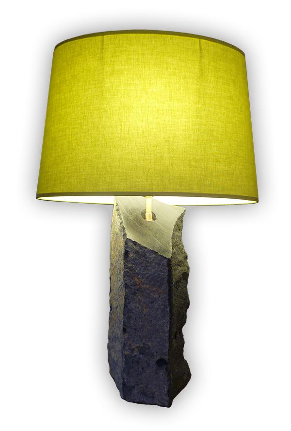 Lampe en orgue basaltique du Puy de Dôme